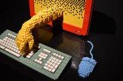 Komputer wykonany z klocków Lego