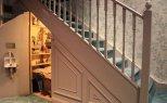 szafa - spiżarka pod schodami